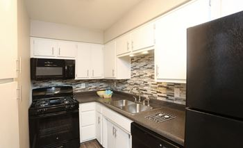 4949 San Pedro Dr NE 1-3 Beds Apartment for Rent Photo Gallery 1
