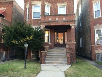 Pet Friendly Apartments For Rent In Little Village Chicago Il
