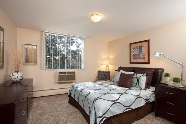 Edge roomy bedroom in Denver, CO