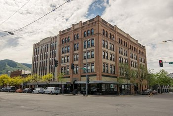149 W. Broadway Studio-2 Beds Apartment for Rent Photo Gallery 1
