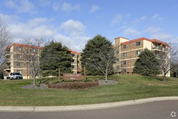1900 Saint Louis Ave 1-2 Beds Apartment for Rent Photo Gallery 1