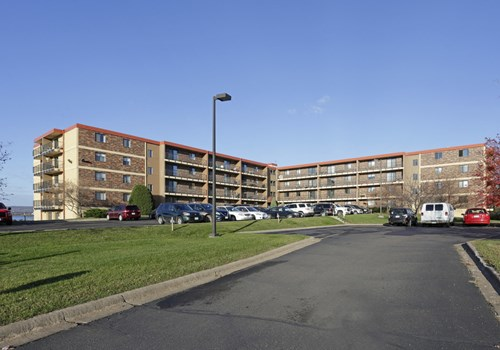 Baypoint Estates Apartments Community Thumbnail 1