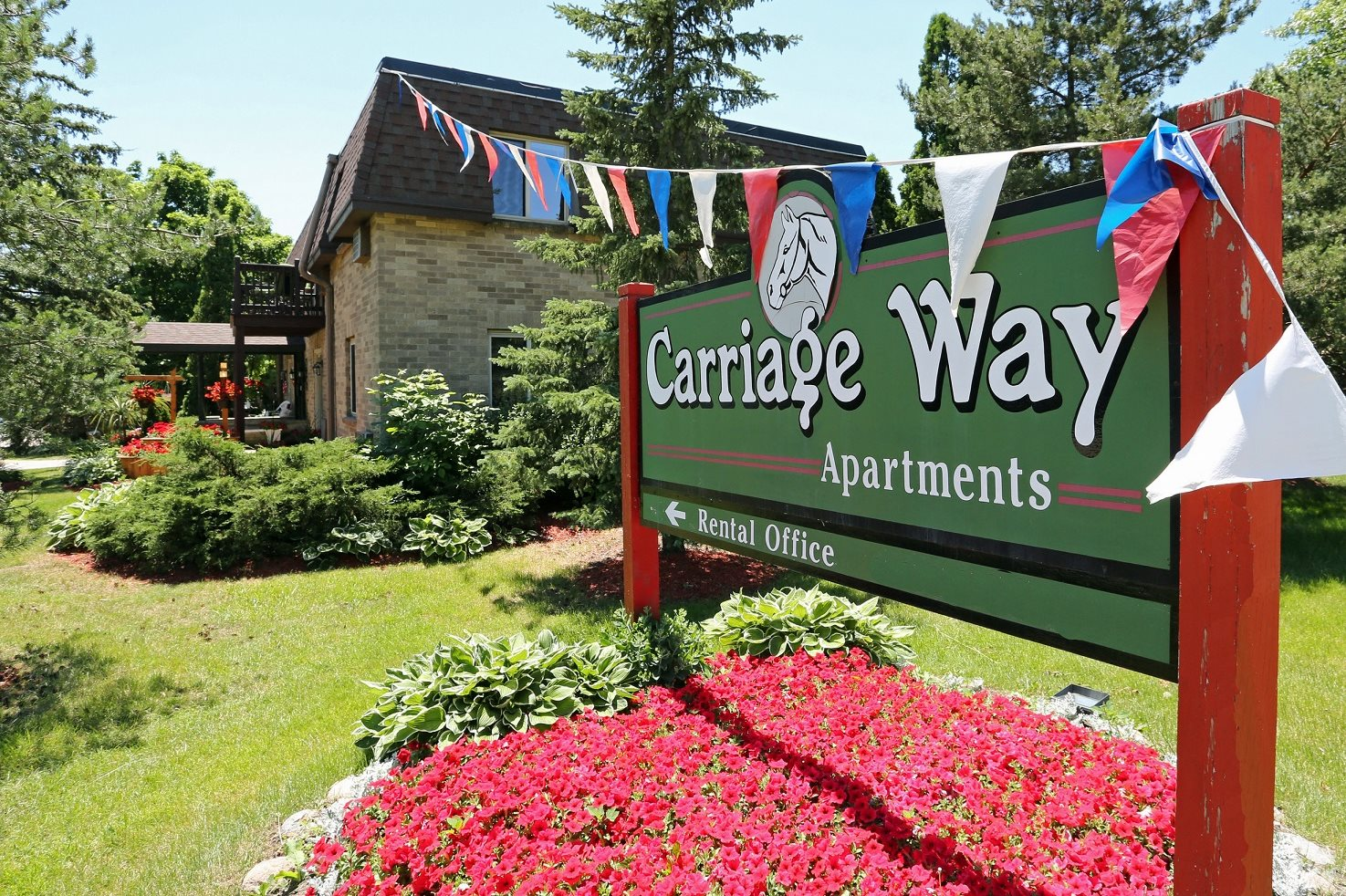 Carriageway | Apartments in New Berlin, WI