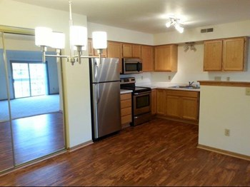 2010 S East Avenue Studio-2 Beds Apartment for Rent Photo Gallery 1