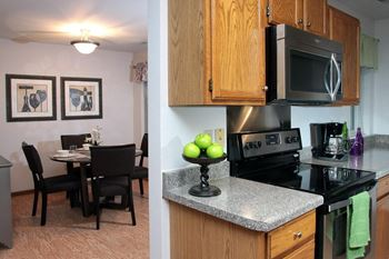 2328 Campbellton RD 1-3 Beds Apartment for Rent Photo Gallery 1