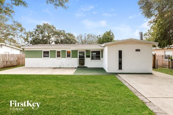 5770 93Rd Ave N 3 Beds House for Rent Photo Gallery 1
