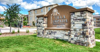 12910 Clubhouse Blvd. 1-3 Beds Apartment for Rent Photo Gallery 1