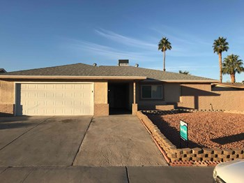 7404 Alta Drive 3 Beds House for Rent Photo Gallery 1