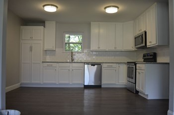 312 Pinoak Street 3 Beds House for Rent Photo Gallery 1