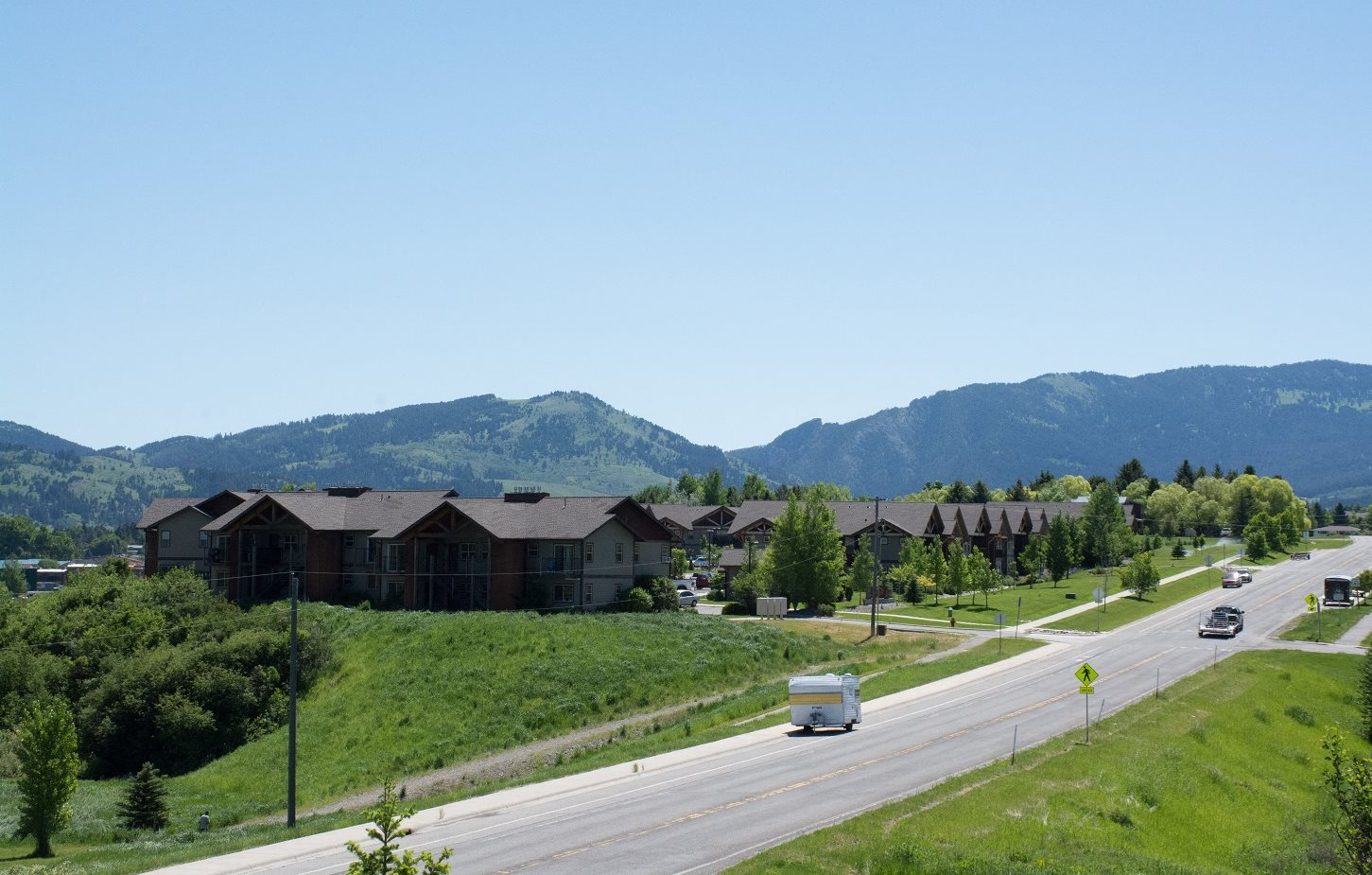 Lush Green Exterior View at Saddleview Apartments, Bozeman, Montana