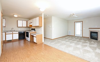 800 Ryan Dr 2-3 Beds Apartment for Rent Photo Gallery 1