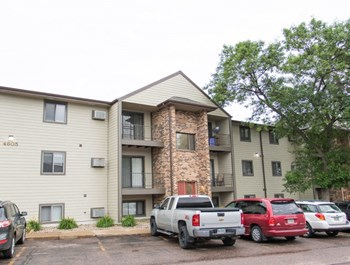4605 W 39Th St 1-2 Beds Apartment for Rent Photo Gallery 1