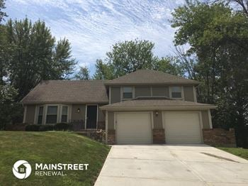 6708 N Fisk Ave 4 Beds House for Rent Photo Gallery 1