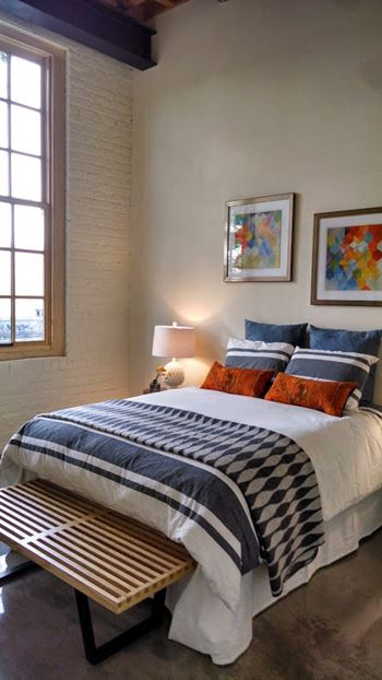 1614 Campbell St Studio-2 Beds Apartment for Rent Photo Gallery 1