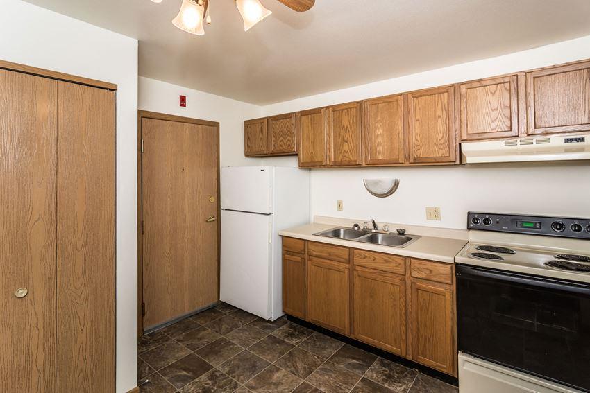 Amberwood Court Apartments | Kitchen