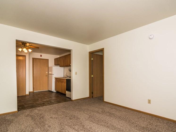 Amberwood Court Apartments | Living Room