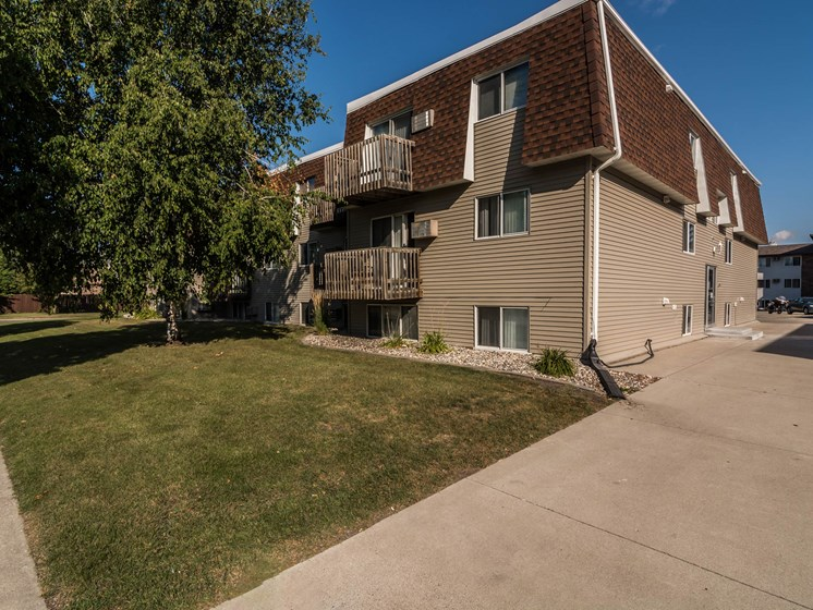 Stanford Court Apartments | Grand Forks, ND