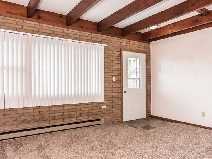 Washington Apartments | Living Room