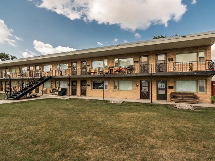 Washington Apartments | Grand Forks, ND