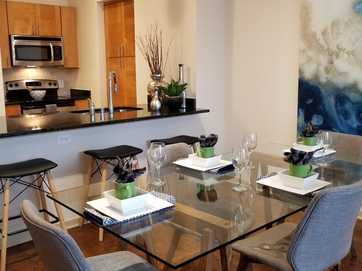 dining oak lawn dallas apartments