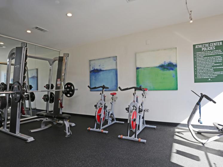 oak lawn dallas apartments with gym