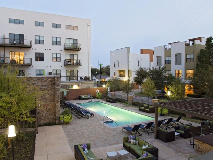 oak lawn dallas apartments with pool