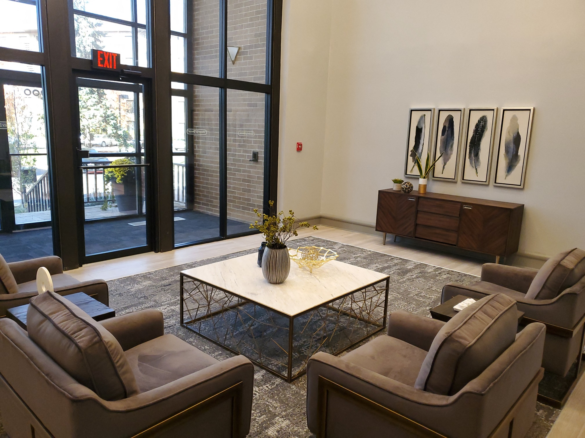 Marvelous Living Space at Valley Lo Towers, Glenview, Illinois