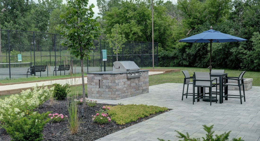 Outdoor picnic and recreation area- Valley Lo Towers