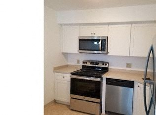 204 Highland Boulevard 2 Beds House for Rent Photo Gallery 1