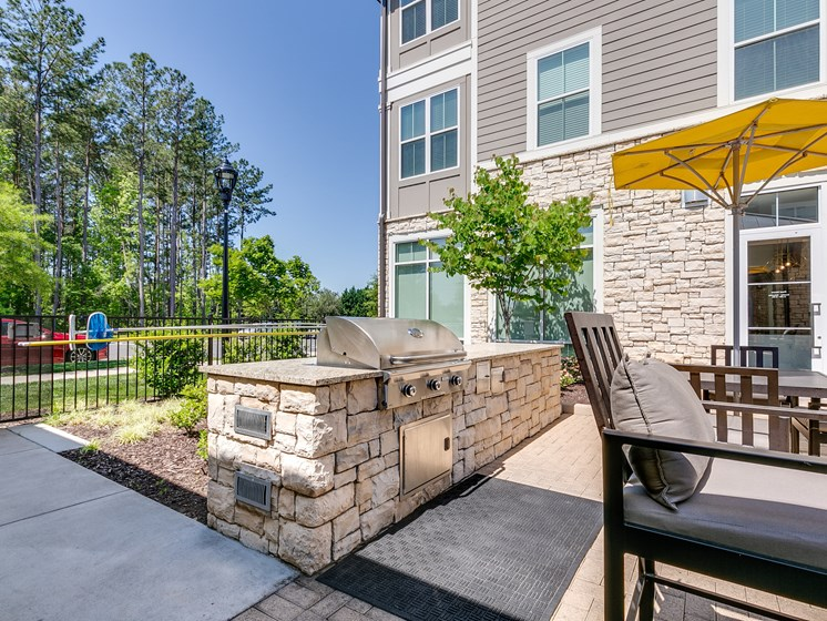 Outdoor Lounge Outdoor Grilling at The Flats at Ballantyne Apartments, Charlotte, North Carolina