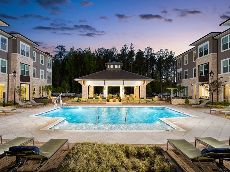 Sparkling Swimming Pool at The Flats at Ballantyne Apartments, North Carolina