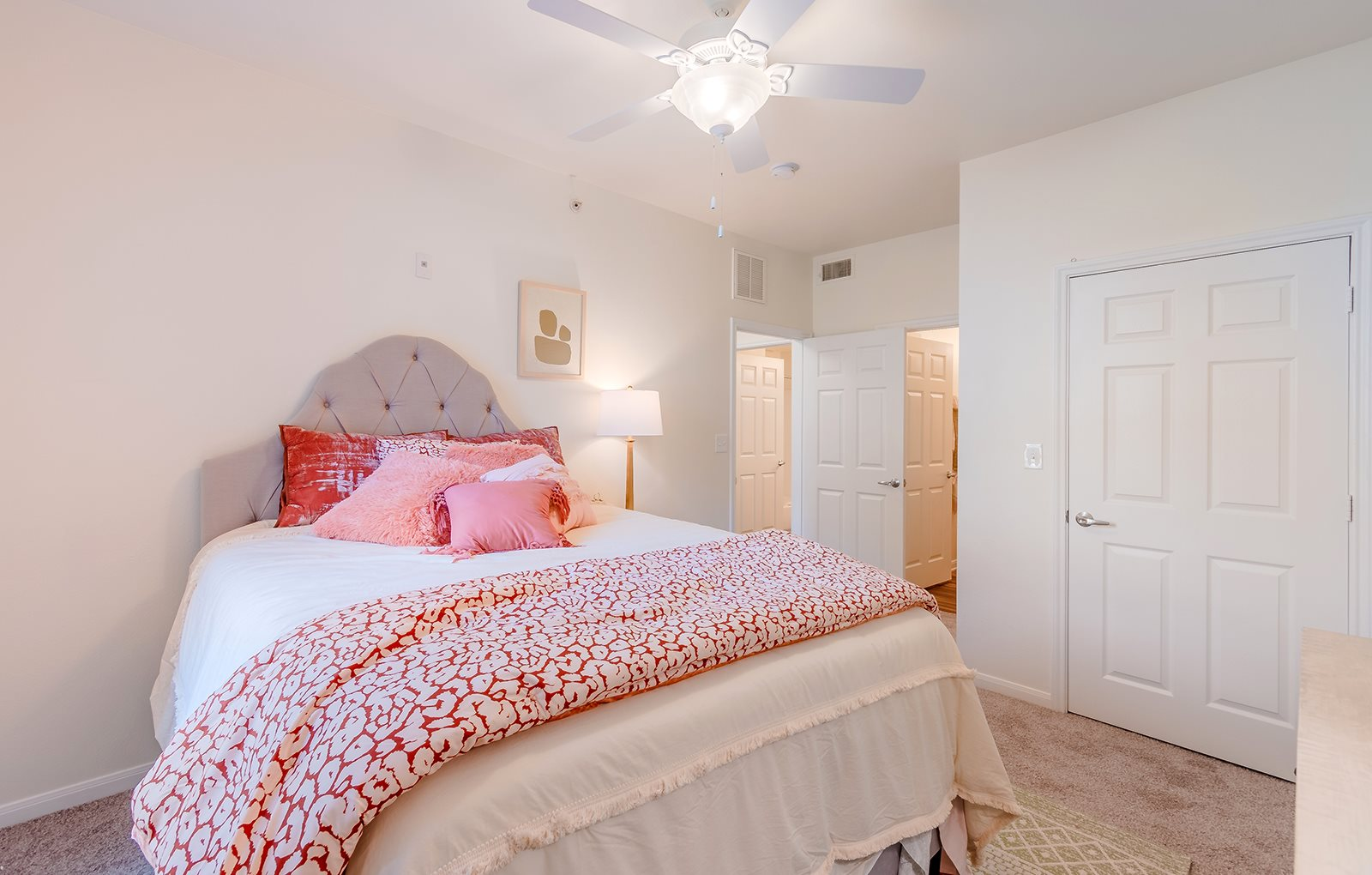 Signature at Southern Oaks_Bedroom