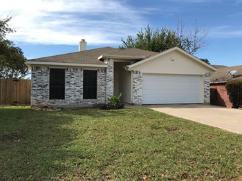 7312 Meadows Dr N 3 Beds House for Rent Photo Gallery 1