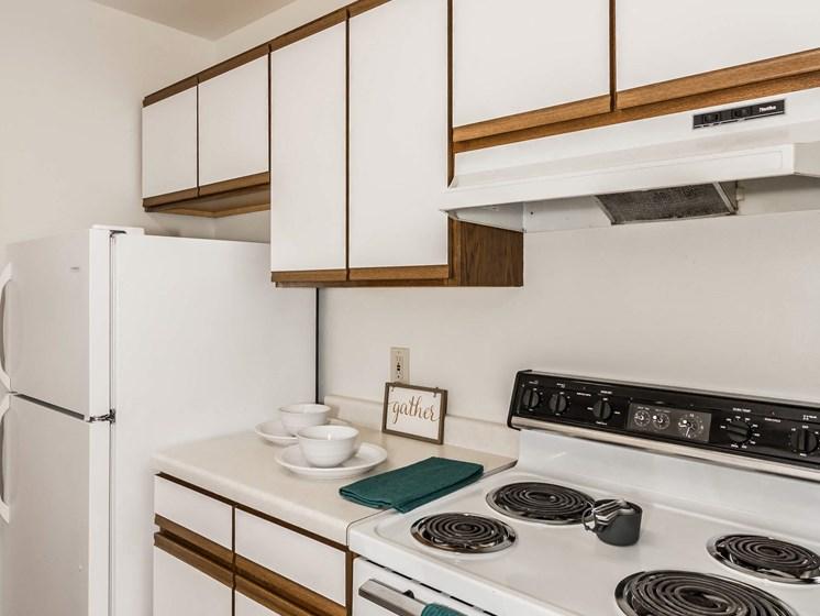 Bristol Park Apartments   Kitchen