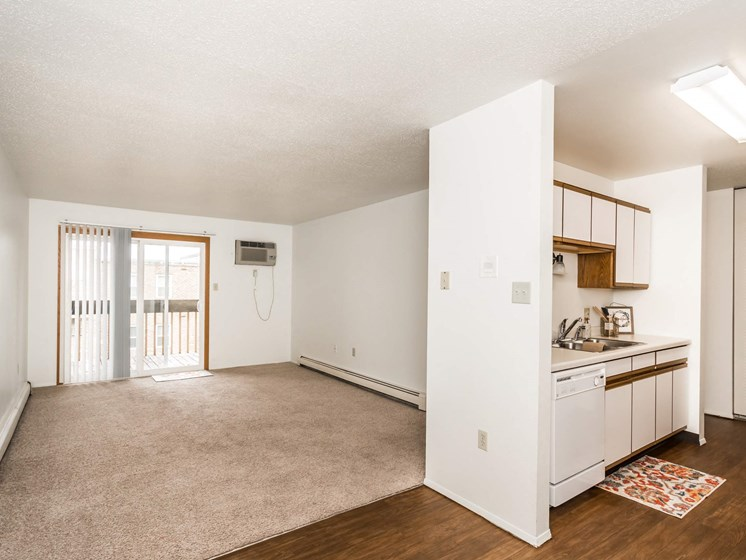 Bristol Park Apartments   Kitchen-Living Room