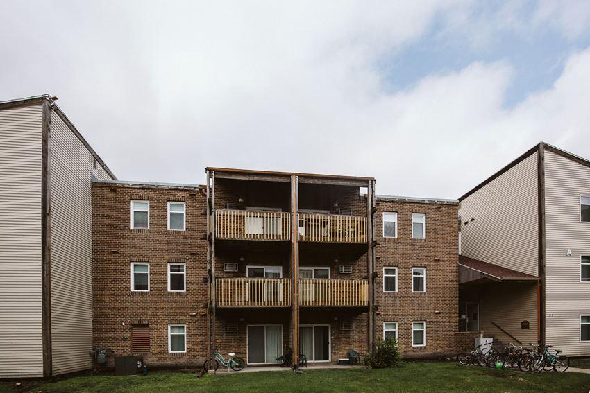 Bristol Park Apartments   Grand Forks, ND
