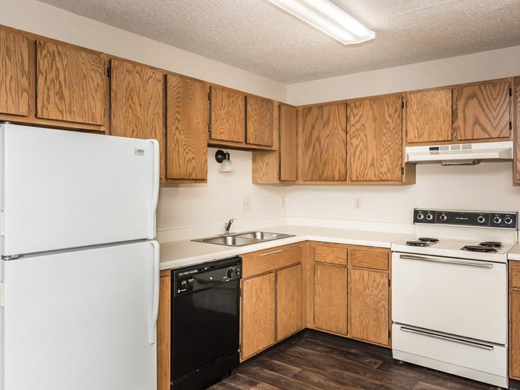 Columbia West Apartments   Kitchen