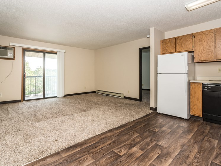Columbia West Apartments   Dining - Living Room