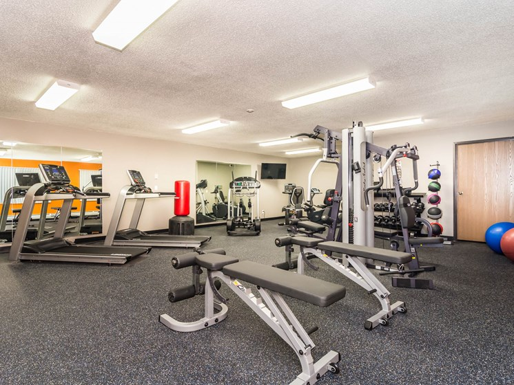 Columbia West Apartments   Fitness Room
