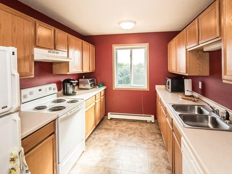 Creekside Apartments   Kitchen