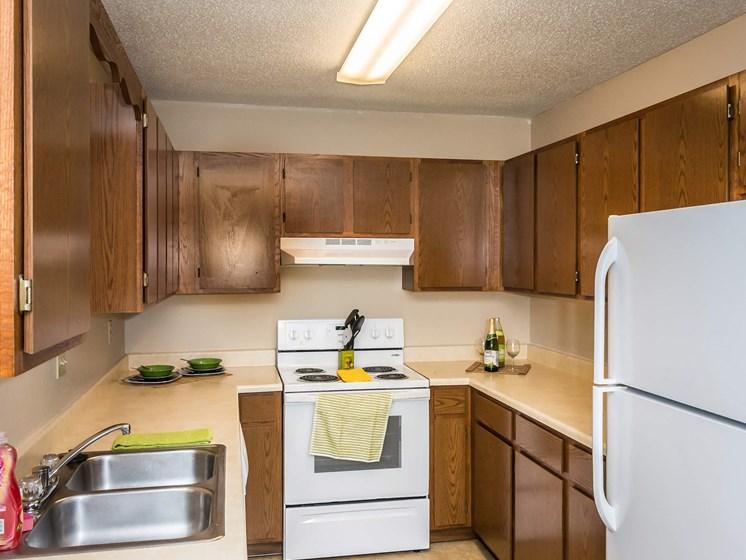 Grandview I Apartments   Kitchen