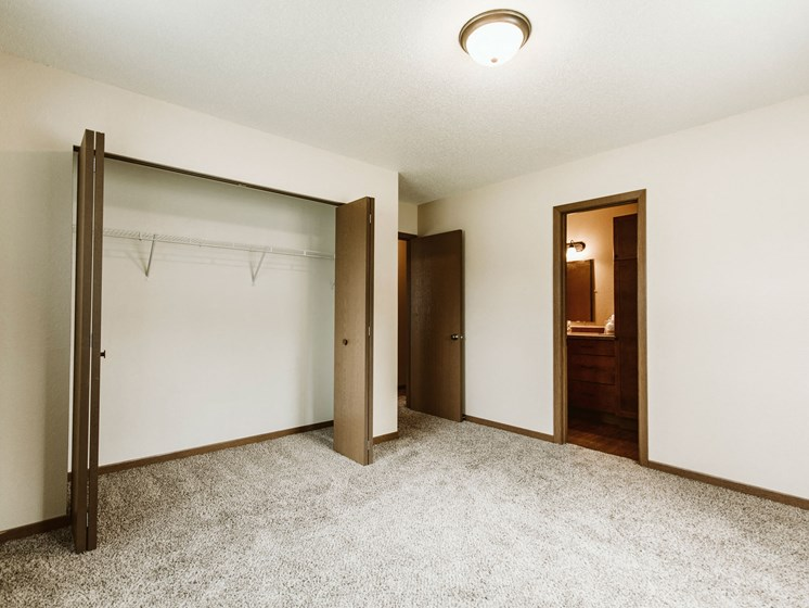 Grandview II Apartments   Bedroom