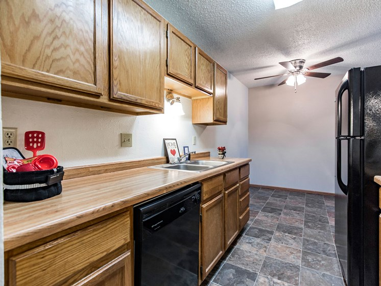 Brandon Apartments | Kitchen