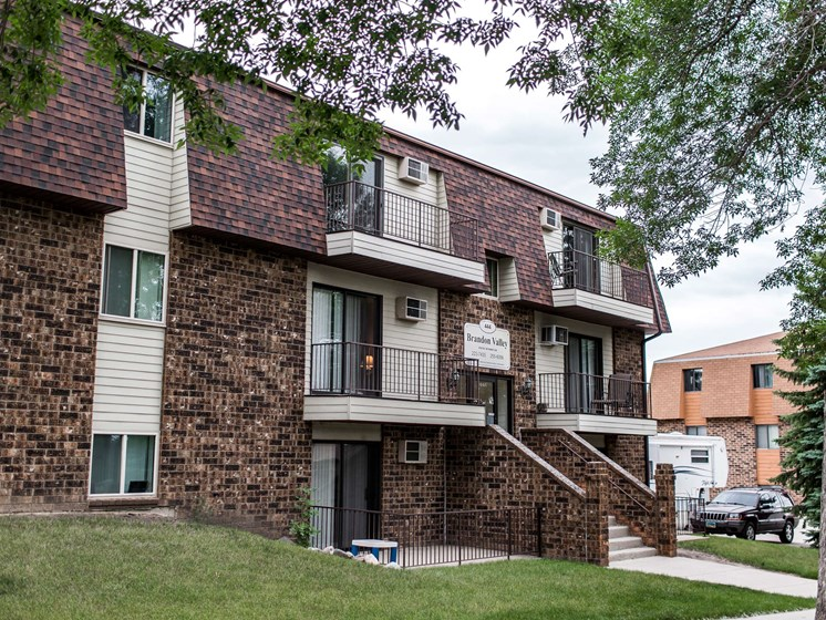 Brandon Apartments | Bismarck, ND