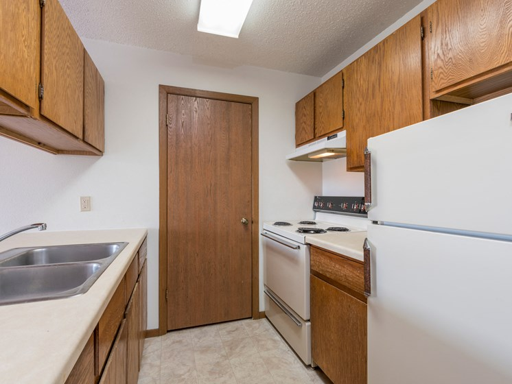 Garden Grove Apartments | Kitchen