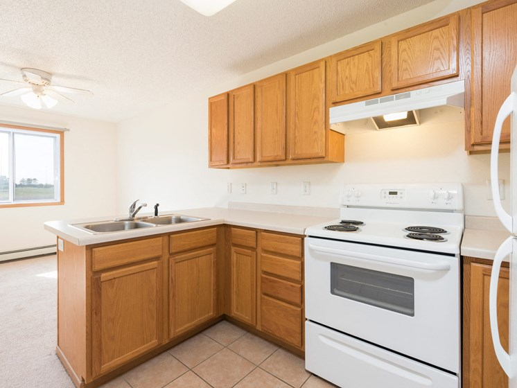Sierra Ridge Apartments | Efficiency-Kitchen