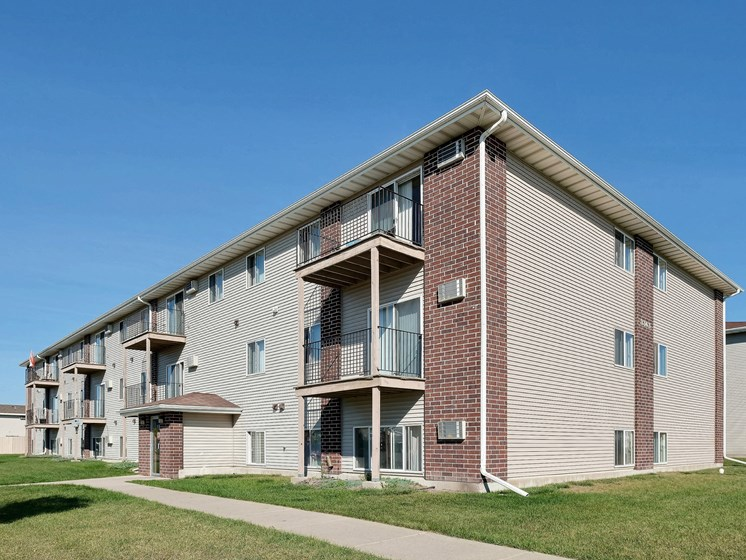 Country Edge Apartments | Fargo, ND