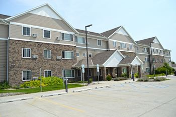1670 E Gateway Circle S 1-2 Beds Apartment for Rent Photo Gallery 1