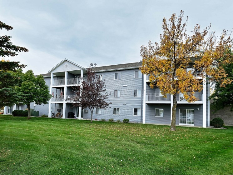 Flagstone Apartments | Fargo, ND