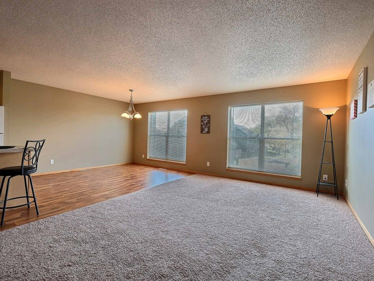 Townhomes at Mallard Creek   3 Bedroom   Living Room